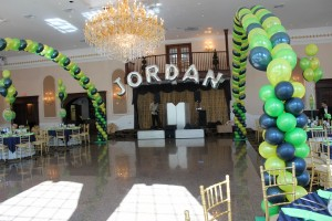 Mylar Balloons Lettering, Foil Balloons, Double Balloon Arches, Green Balloons