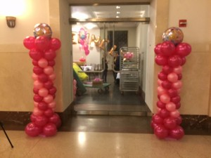 Balloon Columns, Entry Door Balloon Columns, Balloon Columns with Foil Balloon Top