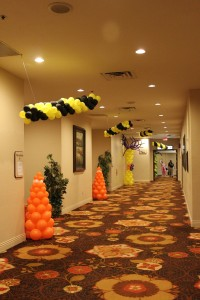 Balloon Columns, Balloon Sculpture, Balloon Decoration