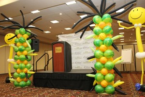Balloon Columns, Balloon  Sculpture, Balloon Decoration, Smiley Shape Twisted Balloon Column