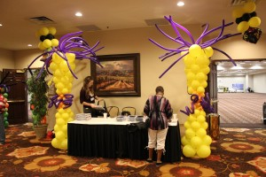 Balloon Columns, yellow Balloon Columns